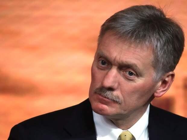 В Кремле предположили, что визиты полиции к журналистам после протестов связаны с «фейковыми журналистами»