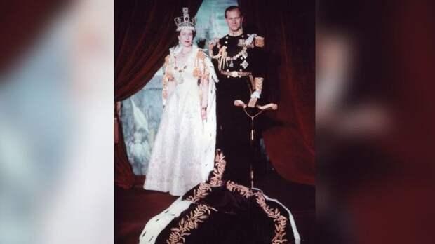 Смерть принца Филиппа может заставить Елизавету II сложить свои полномочия