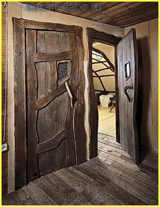Как отремонтировать дачные двери после зимы