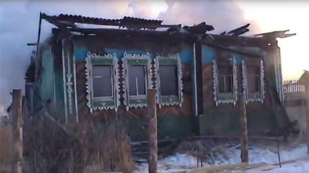 «Дом Ельцина» на Урале сгорел дотла