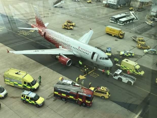 Российский самолёт  наехал на ногу сотруднику лондонского аэропорта