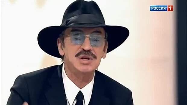 Не все узнали Михаила Боярского без шляпы на семейном снимке