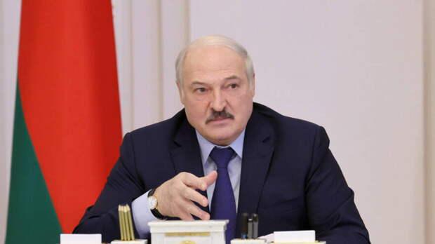Лукашенко отказался вводить обязательную вакцинацию