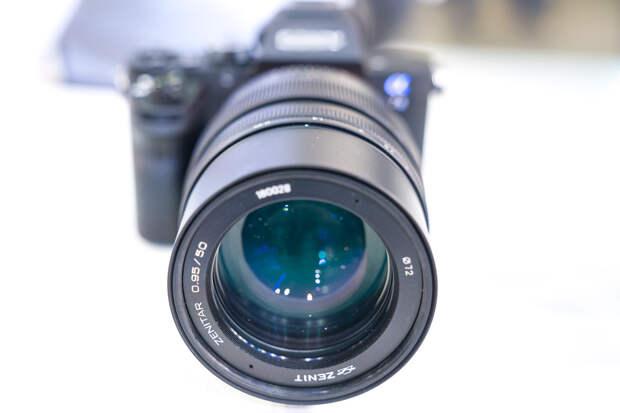 «Швабе» поставил фототехнику для продажи в США и Китае