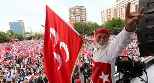 СМИ: Эрдоган может включить турецких националистов вновое правительство