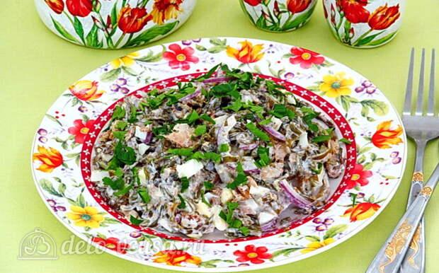 Салат из морской капусты с сайрой