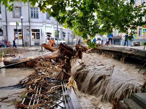 Южный берег Крыма ликвидирует последствия наводнения