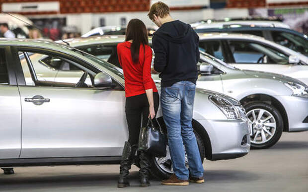Россия установила антирекорд по количеству автосалонов