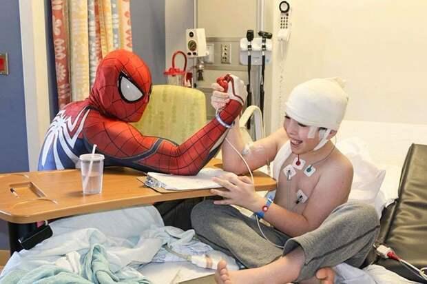 История настоящего героя, который помог 10000 детей