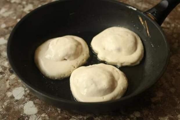 Когда хочется беляшей, но не хочется возиться с дрожжевым тестом, готовлю их так: быстро и вкусно