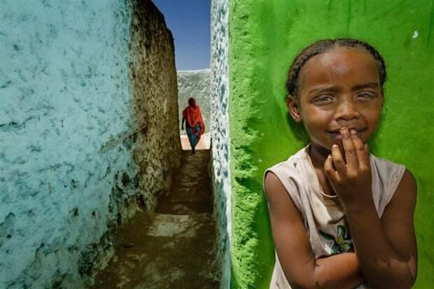 Харар, Эфиопия: Прогулка по укрепленному историческому городу Харар-Югол, который считается четвертым по величине городом в исламе. Фотография: Стефано Пенсотти.