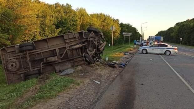 Серьезное ДТП с участием пассажирского микроавтобуса произошло под Тулой