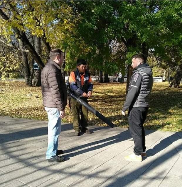 Грачёвский парк очистят от вандальных надписей