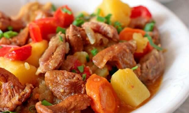 Филе куриных бёдер, лисички и овощи: сытно и мега аппетитно