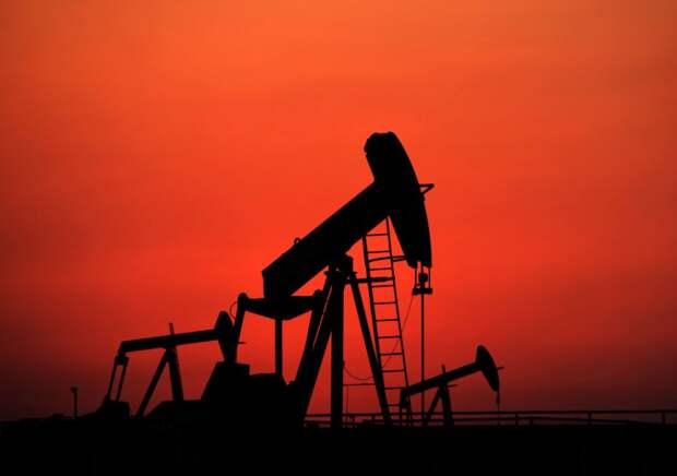 Рынок не ожидает возвращения объемов мирового спроса на нефть к уровню до пандемии ранее 2022 года