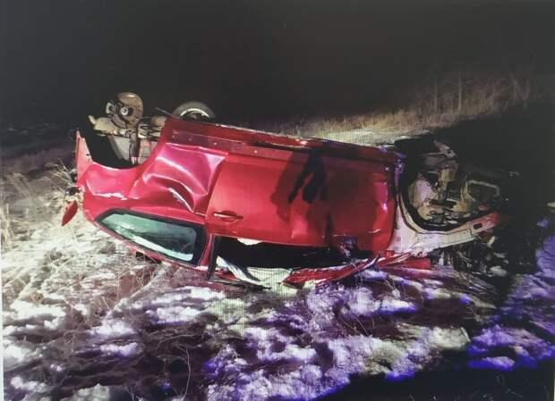 В Саратовской области погиб пассажир съехавшего в кювет автомобиля