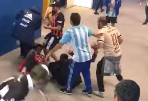 Аргентина просит Россию выслать болельщиков задраку наЧМ пофутболу
