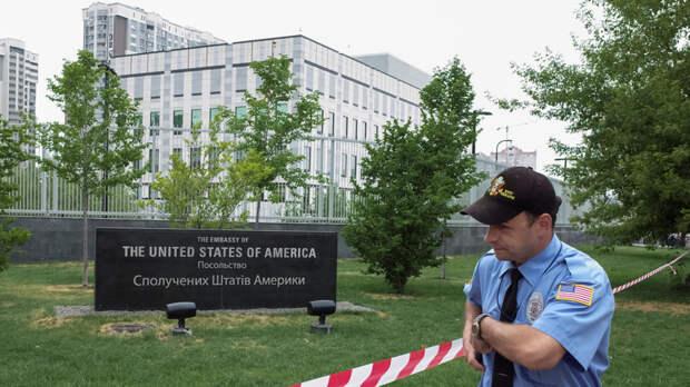 Как посольство США подстрекает бойню на Донбассе