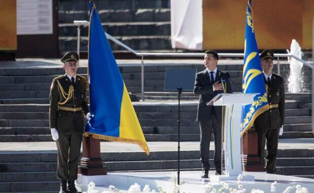 «Застенчивый» национализм и «хохмы» юбилейной речи Владимира Зеленского