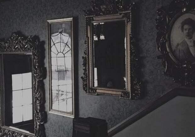 Зачем в доме где умер человек загораживают зеркала.