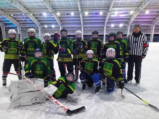 Хоккеисты из Бибирева и Лианозова одолели соперника с разгромным счетом