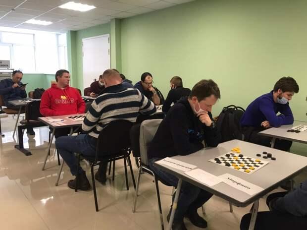 Спортсмены из Бабушкинского вырвались в финал спартакиады по шашкам