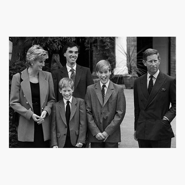 Диана, принцесса Уэльская, и Чарльз, принц Уэльский, с сыновьями Гарри и Уильямом