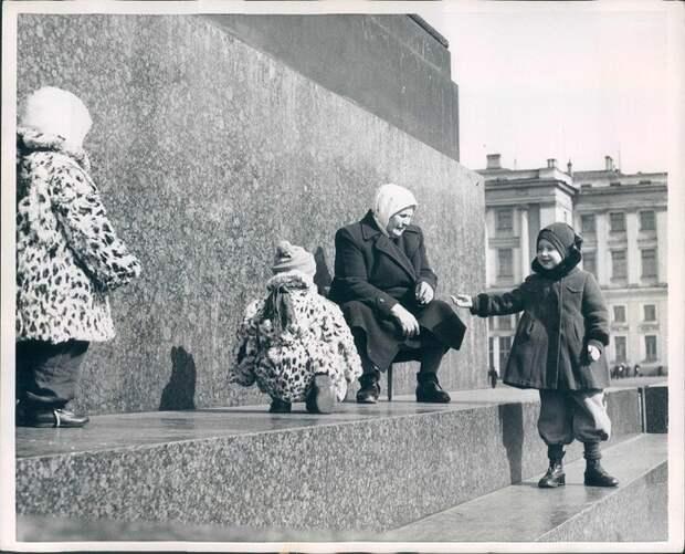 30 снимков СССР разных лет, сделанных американскими фотокорреспондентами