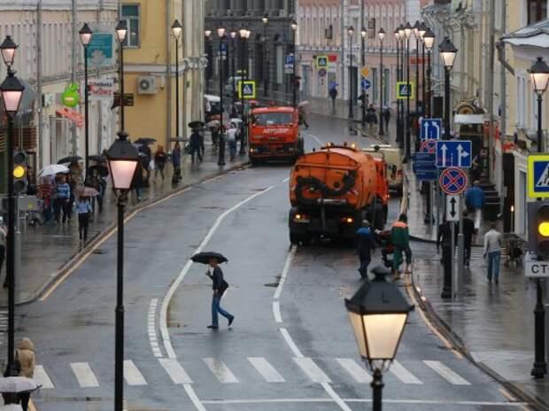 На пешеходных переходах Москвы установят световую сигнализацию