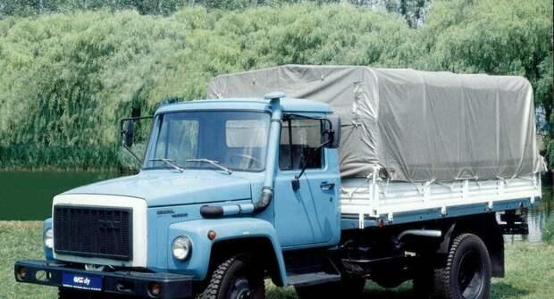 Как обычный грузовик превратился в комфортабельный автомобиль со спальником — ГАЗ-3309