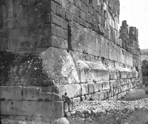 Кто изготовил огромные каменные монолиты Баальбека?