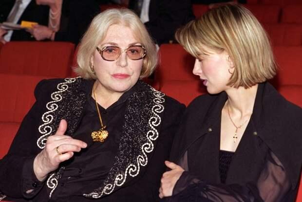 Лидия Федосеева-Шукшина с дочерью Ольгой