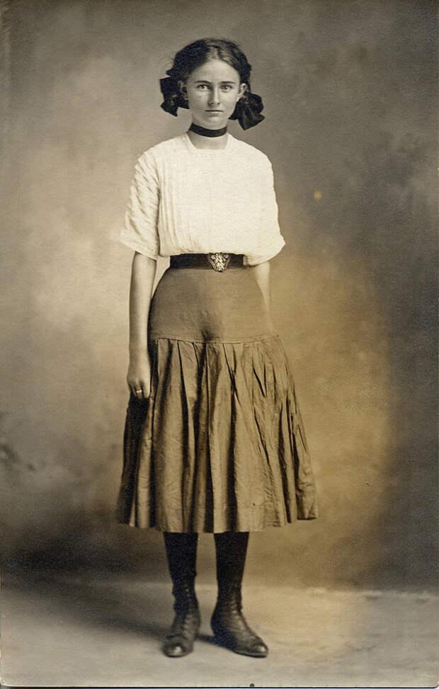 Мгновения прошлого: как выглядели юные леди 100 лет назад