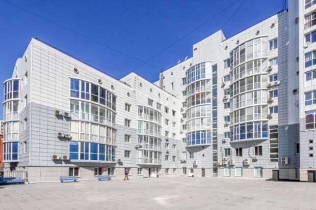 Почем в Тюмени продают шикарную квартиру с 4-метровыми потолками