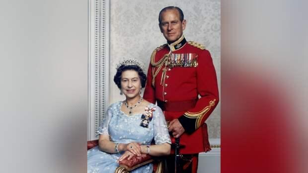 Потерявшая мужа Елизавета II впервые после похорон обратилась к британцам