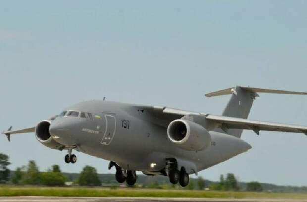 Чтобы достроить условно импортозамещенный Ан-178, Украина запросила помощь американских специалистов