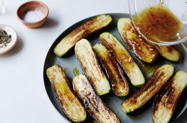 Нарезаем цукини: целое овощное меню из доступного продукта