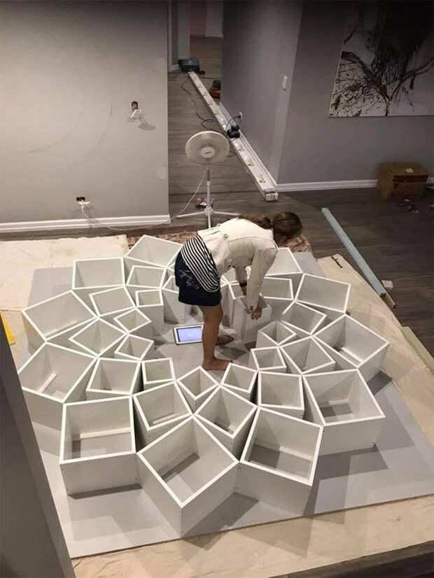 Она увидела дизайн книжной полки. Но и подумать не могла, что ее муж может это сделать!