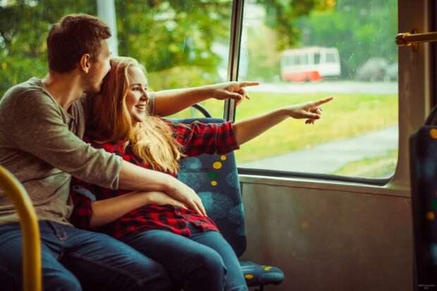 влюблённые на фото