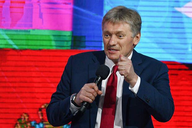 Песков надеется, что вакцинация Путина станет примером для россиян