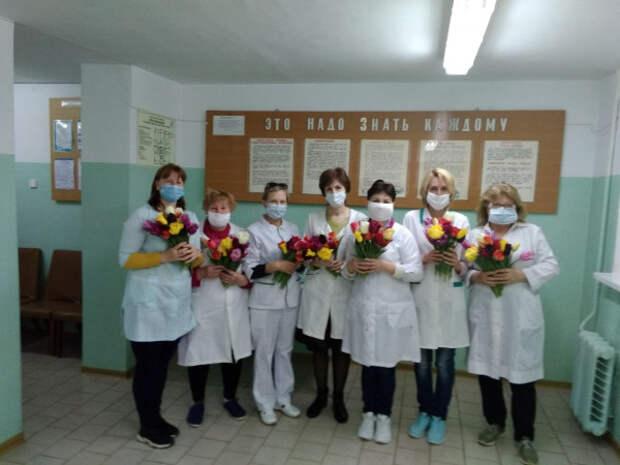 Цветы Никитского сада – медикам Крыма (ФОТО)