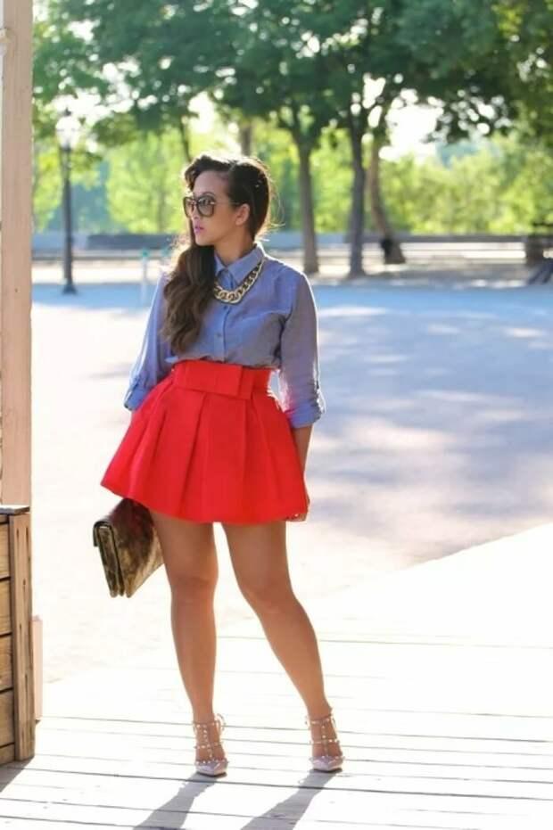 Мини-юбка не подходит девушкам с полными бедрами. / Фото: blogmulherao.com.br