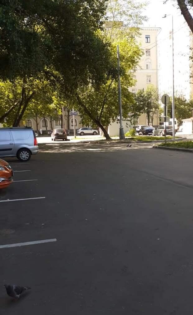 Во дворе на 5-й Кожуховской улице заменили асфальт