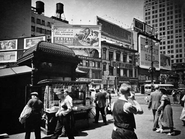 """""""Путешественники во времени"""": фотографии, на которые попали люди будто не из той эпохи"""