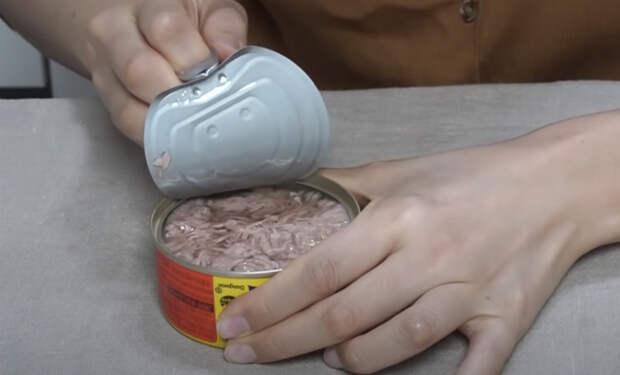 Женщина купила самые популярные консервы и показала, что едят в Южной Корее когда нет времени