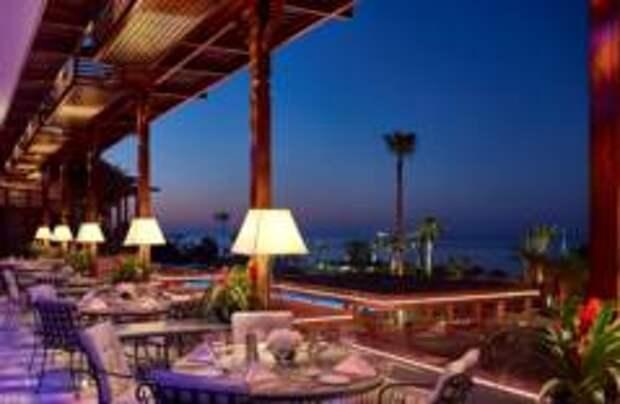 Отель Four Seasons Cyprus дарит гостям Moscow Restaurant Week шанс провести отпуск на солнечном Кипре