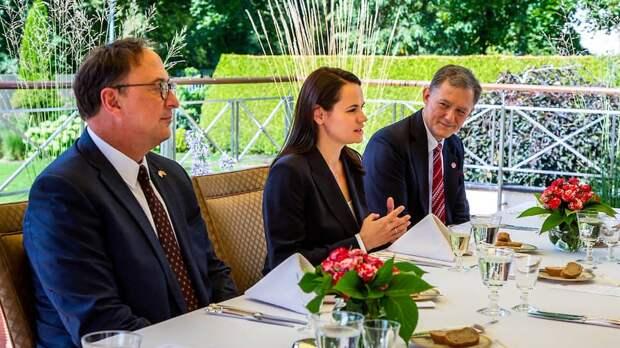 Смотрины в Вильнюсе: зачем Тихановская встречалась с заместителем госсекретаря США