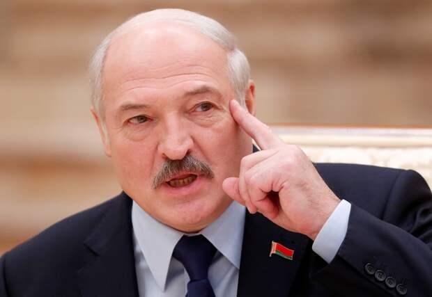 Лукашенко приписал себе «победу» над Россией из-за падения нефтяного рынка