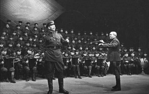 Не служба, а сахар: самые завидные солдатские должности Советской армии