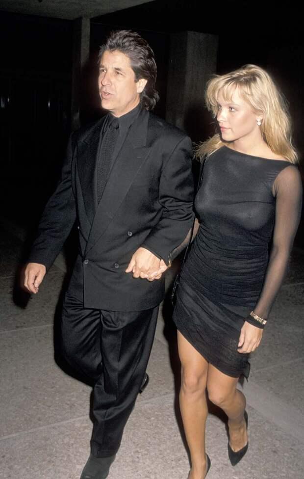 Памела Андерсон вышла замуж за продюсера, с которым встречалась 35 лет назад
